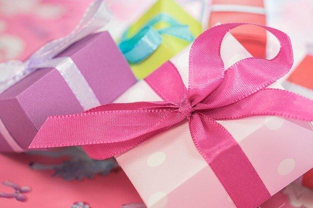 Bezpieczne prezenty z dawniejszych lat. Co kiedyś dawaliśmy innym?