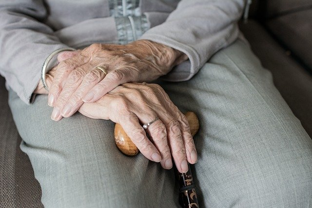 Najlepsza metoda na pomoc starszym